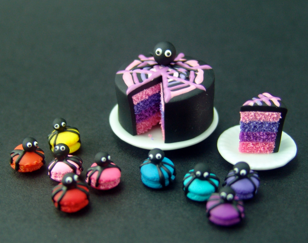 dollhouse miniature halloween cake