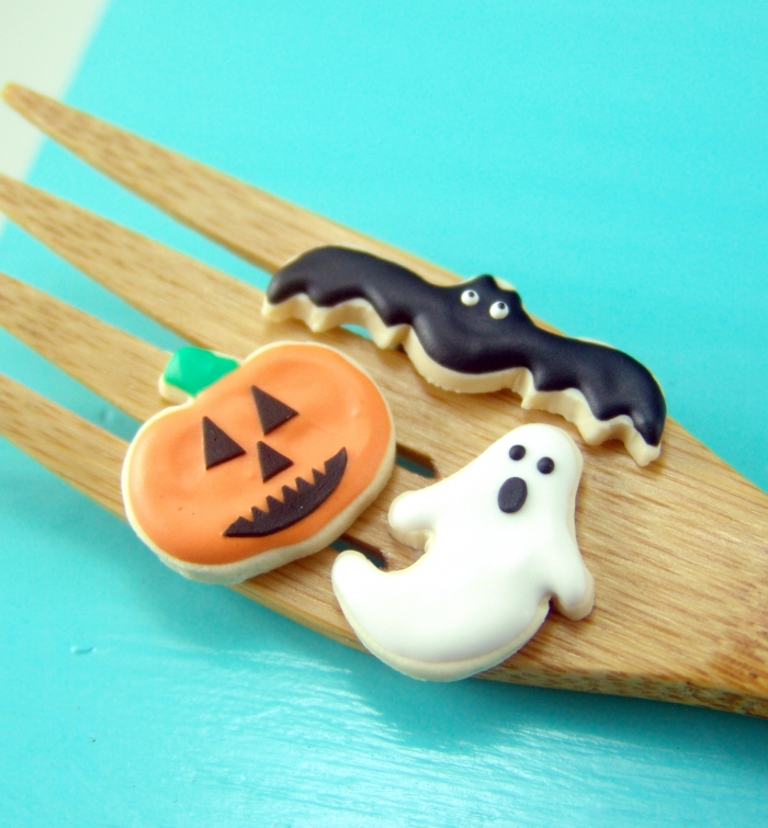 Miniature Halloween cookies bt The Mouse Market