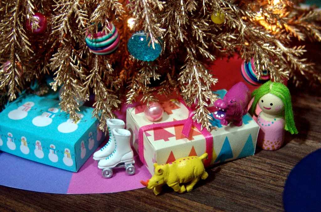 miniature Christmas presents by The Mouse Market